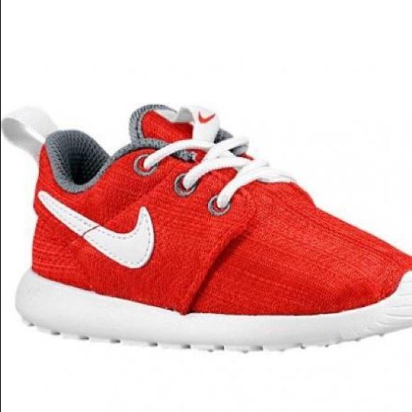 08d0810be28b Nike Roshe toddler boys. M 5b7fd7470e3b867eefb41349